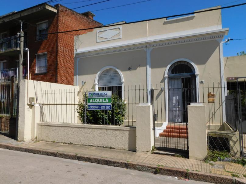 Ignacio Rivas 1119 esquina Elias Regules