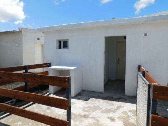 Camino Corrales 2834  apto 6 esquina Manuel  De Ubeda