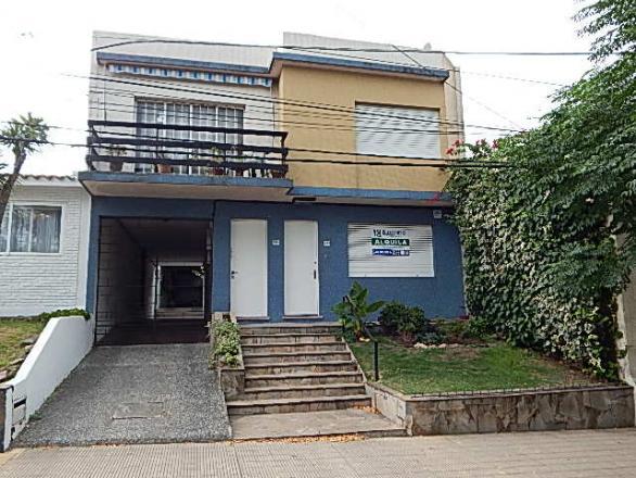 Francisco Miranda 4358 esquina Duque de los Abrusos