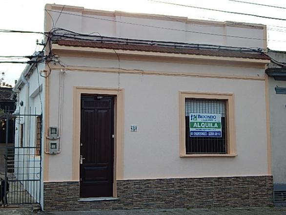 Francisco Miranda 4312 esquina Duque de los Abruzos