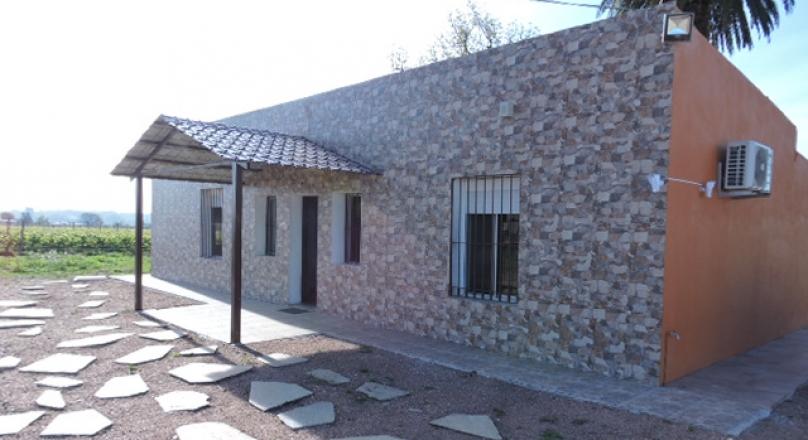 Los Granjeros 5950 esq. Mendoza